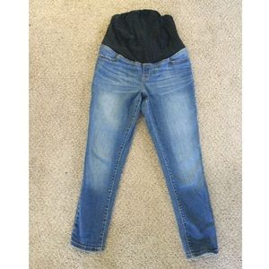 🌻Isabel Maternity jeans size 4🌻